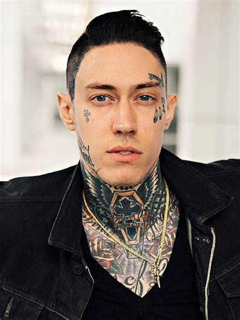 Comapre Trace Cyrus' height, weight, eyes, hair color with