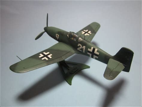 Revell 1/72 Heinkel He 100D (4142) - - The Airfix Tribute