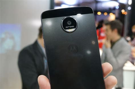 Video: Moto Z Force DROID Edition Hands-On | Droid Life