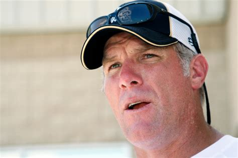 Brett Favre doesn't 'really care' that Peyton Manning will